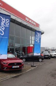 Ford exterior branding